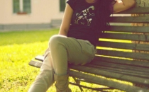 casual look with beige pants & black basic t-shirt
