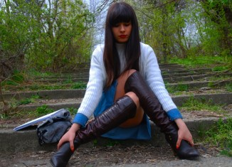 DENIM SHIRT SWEATER WEATHER THE BOOTS closer to fashion blog Bacau_cover_800x536